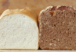 White bread and brown bread