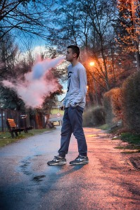 vaping teenager